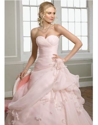 robe de cocktail_Comment s'habiller pour un mariage au printemps_robes de cocktail pour mariage